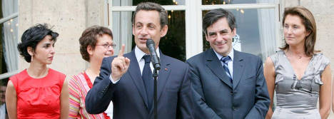 Sarkozy sans cravate